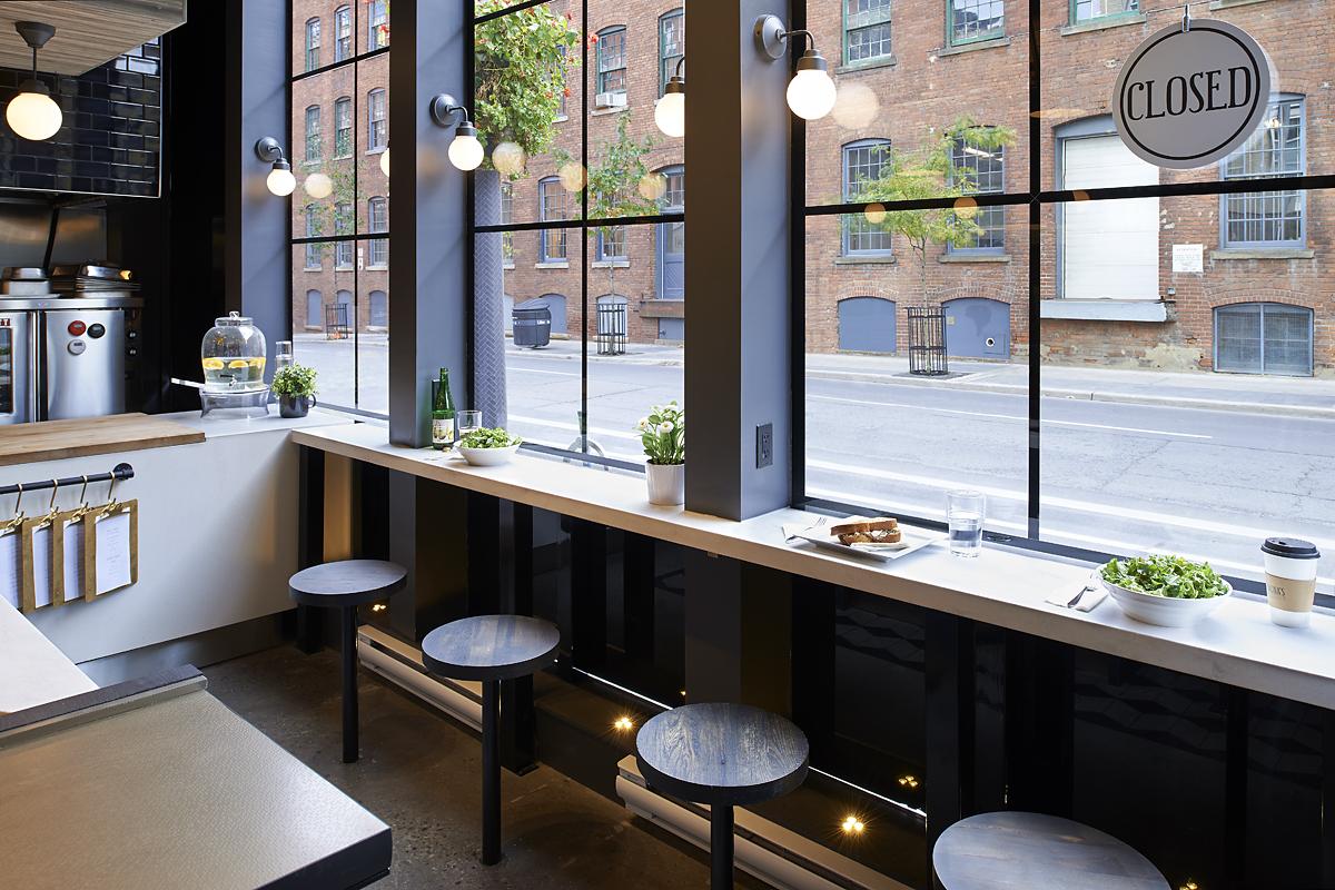 Bunas Restaurant Interior
